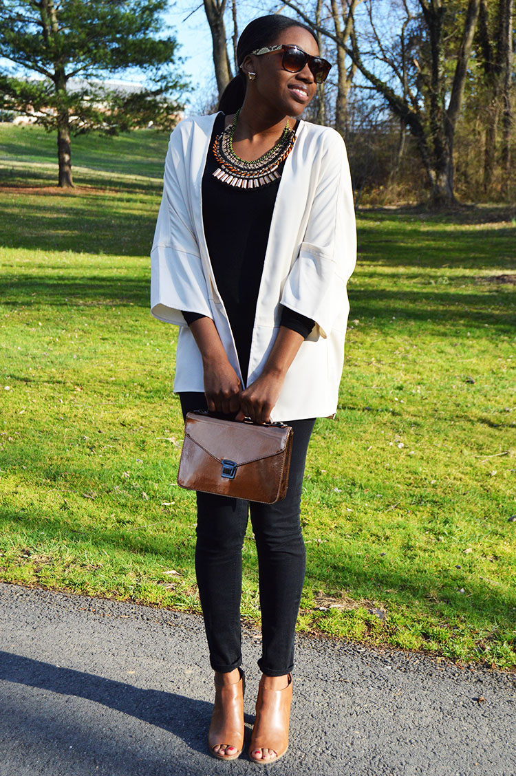Neutral-Colors-With-Bold-Necklace