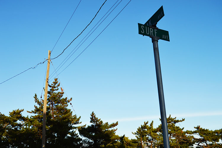 Surf-Ave-Street-Sign