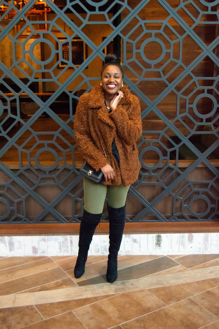 a-faux-fur-look-with-a-good-book-3